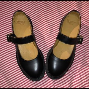 Dr Martens Mary Janes - like new!